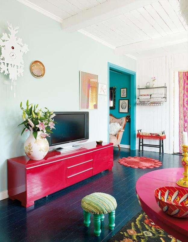 Pretty little world loving now bright interiors for Pretty interior house colors